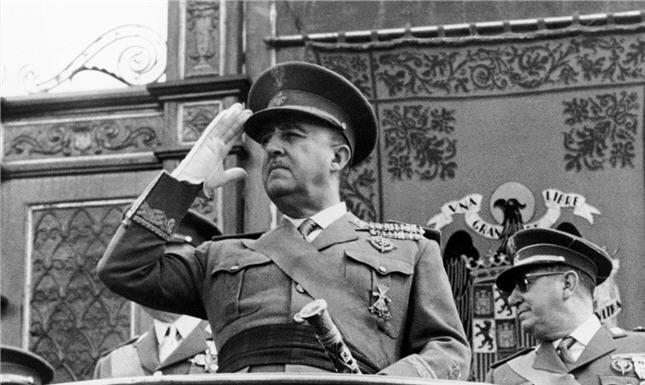 الجنرال-فرانكو-548