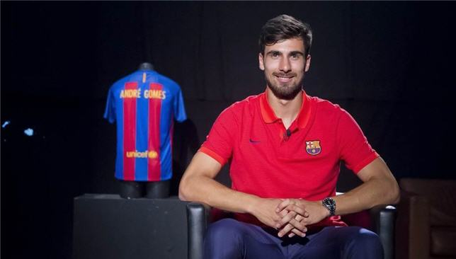 أندريه جوميز لاعب برشلونة الإسباني
