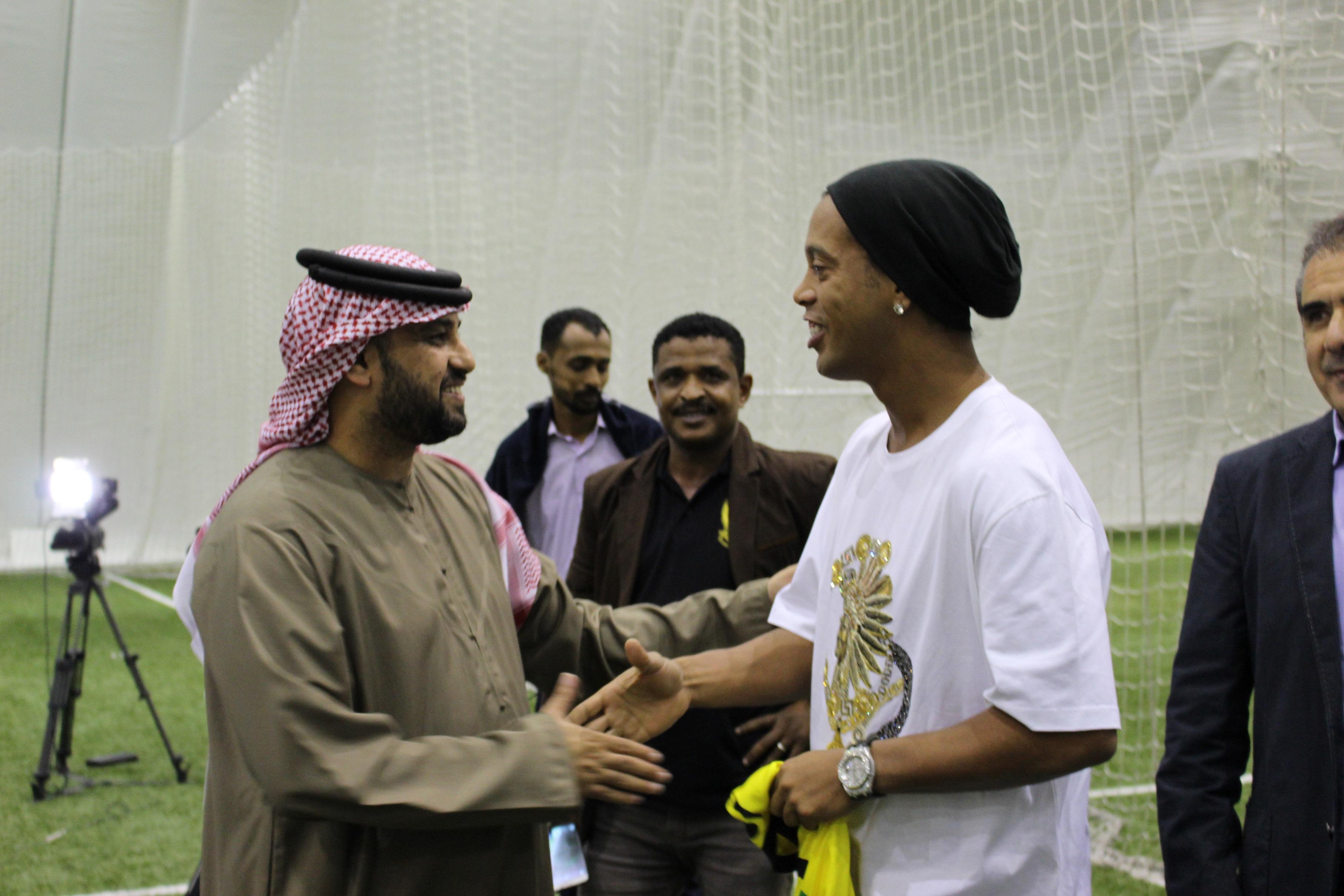 Ronaldinho at Koora Dome (1)