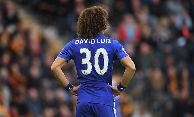 HULL, ENGLAND - OCTOBER 01: David Luiz of Chelsea looks on during the Premier League match between Hull City and Chelsea at KC Stadium on October 1, 2016 in Hull, England. (Photo by Laurence Griffiths/Getty Images)