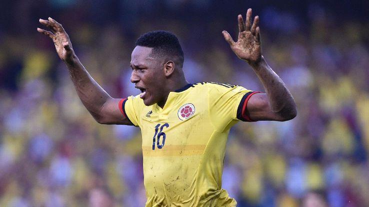 يري مينا بقميص منتخب كولومبيا