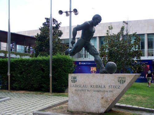 تمثال يخلد كوبالا