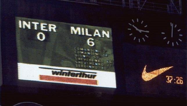 إنتر ميلان يتلقى هزيمة تاريخية في ديربي ميلانو وسط جماهيره بنتيجة 0-6