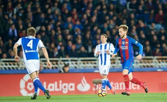 الشوط الأول يشهد تفوق واضح لسوسيداد على برشلونة