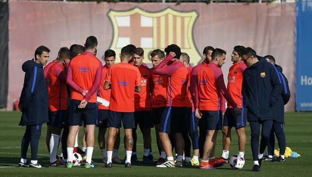 لاعبو برشلونة في تدريبات اليوم الأربعاء