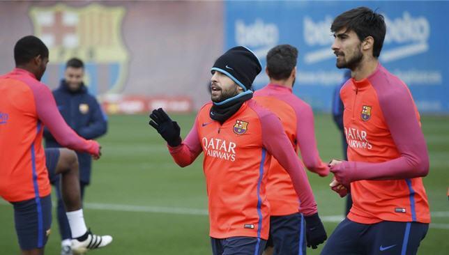 جوردي ألبا وأندريه جوميز في تدريبات برشلونة