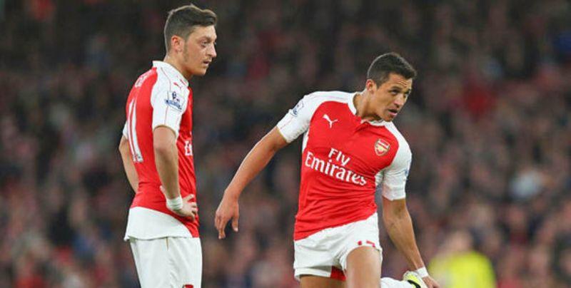 اخبار الامارات العاجلة Mesut-Ozil-Alexis-Sanchez-Arsenal-731856-1 اختلاف آرسنال هذا الموسم عن سابقيه أخبار الرياضة