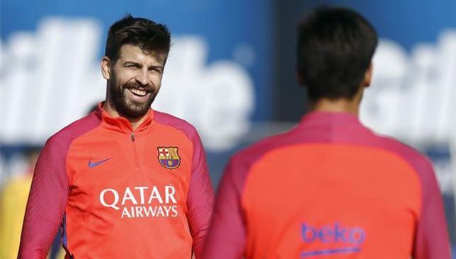 جيرارد بيكيه مدافع برشلونة الإسباني