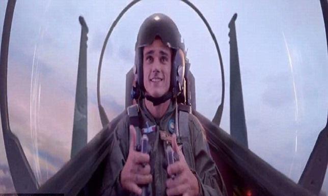 فيديو.. جريزمان يتحول إلى طيار وحلاق وخياط!