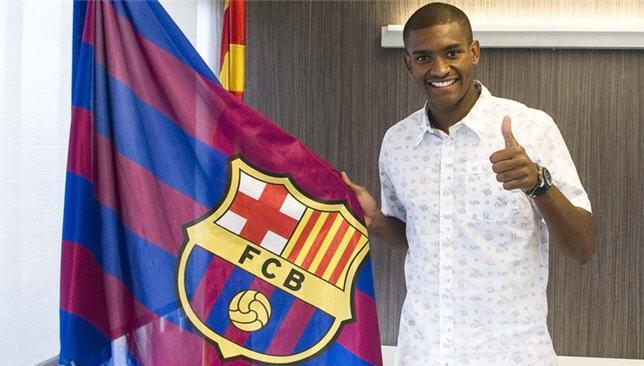 مارلون سانتوس مدافع برشلونة الإسباني