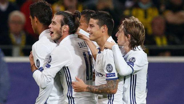 ريال مدريد يحتفل أمام ليجيا وارسو