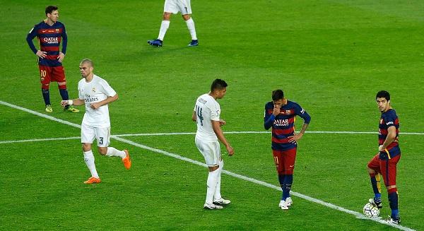 Neymar-Luis-Suarez-Lionel-Messi-dejected-El-Clasico-barcelona-1-2-Real-Madrid-La-Liga-Camp-Nou-football-sport360