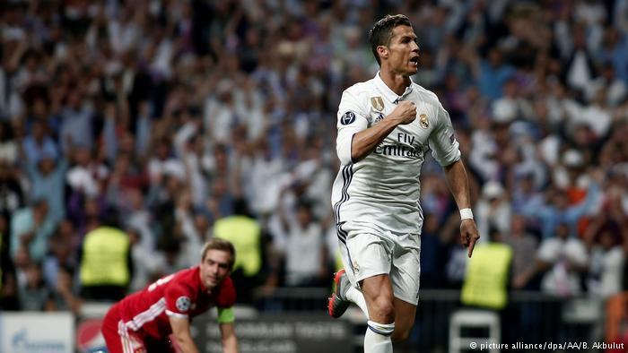 رونالدو سجل ثلاثة أهداف على ملعب برنابيو، اثنان منها من تسلل، حسب خبراء تحكيم كروي