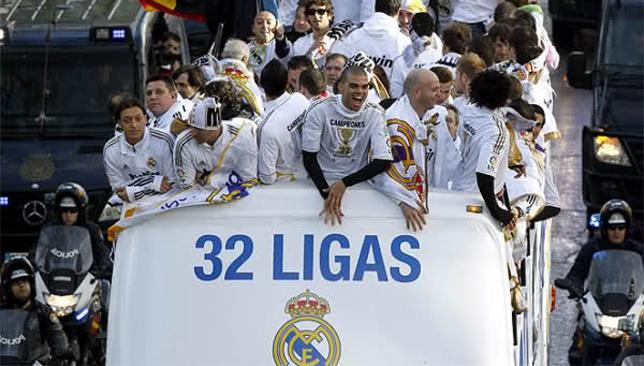 ريال مدريد يحتفل بلقبه 32 في الليجا