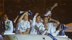 لاعبو ريال مدريد يحتفلون بلقب الدوري الإسباني