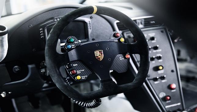 سيارة كـأس بورشه جي تي 3 الجديدة 2017 (2)