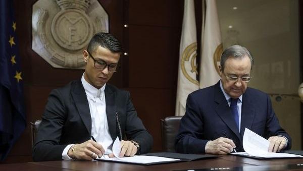 رونالدو يوقع على عقده الجديد رفقة بيريز عام 2016