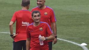إرنستو فالفيردي مدرب فريق برشلونة الإسباني