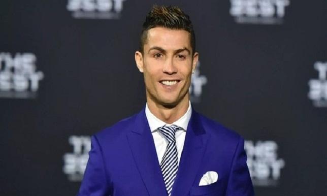 ترتيب أفضل 20 نجما في الأناقة.. رونالدو في المرتبة الـ11 - كرة قدم - كرة إسبانية - سبورت360 عربية