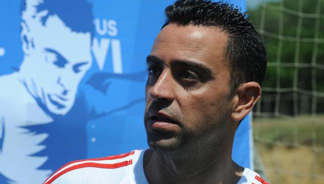 تشافي هيرنانديز لاعب خط وسط برشلونة الإسباني