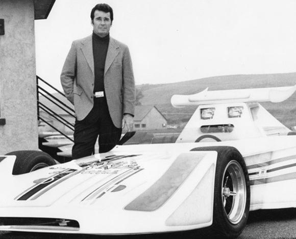 جيمس جارنر وسباقات السيارات