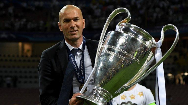 زين الدين زيدان يرفع كأس دوري أبطال أوروبا