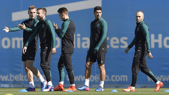 (L to R) Barcelona's French defender Lucas Digne, Barcelona's defender Jordi Alba, Barcelona's midfielder Denis Suarez, Barcelona's Uruguayan forward Luis Suarez and Barcelona's midfielder Andres Iniesta take part in a training session at the Sports Center FC Barcelona Joan Gamper in Sant Joan Despi, near Barcelona on March 7, 2017, on the eve of the UEFA Champions League football match between FC Barcelona and Paris Saint-Germain. / AFP PHOTO / LLUIS GENE        (Photo credit should read LLUIS GENE/AFP/Getty Images)