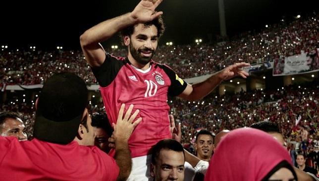 محمد صلاح يحتفل بتأهل منتخب مصر إلى كأس العالم 2018