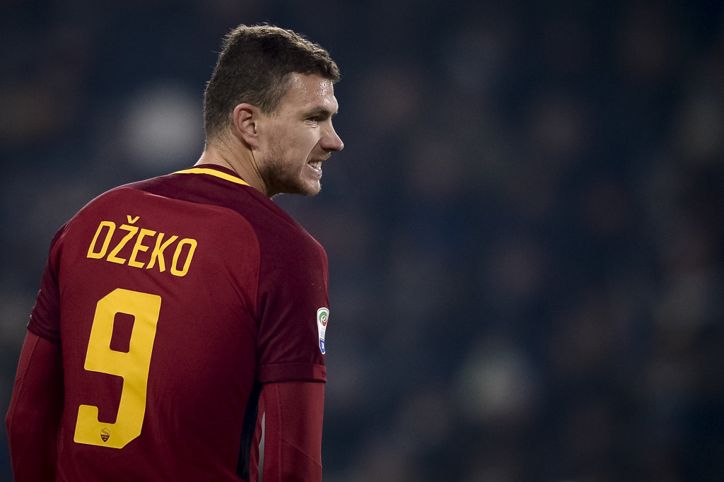Edin Dzeko of AS Roma looks dejected during the Serie A