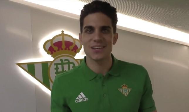 مارك بارترا بقميص ريال بيتيس