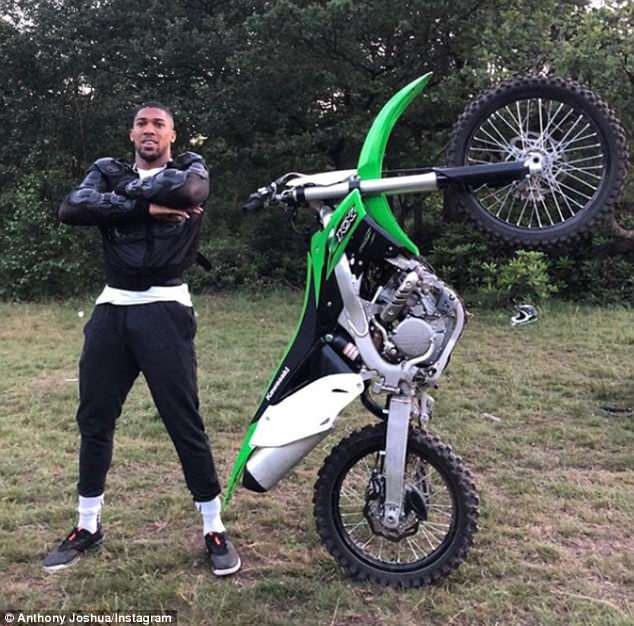4D2248D600000578-5829943-Anthony_Joshua_enjoyed_a_spot_of_Motocross_on_Monday_as_he_enjoy-a-36_1528722131669