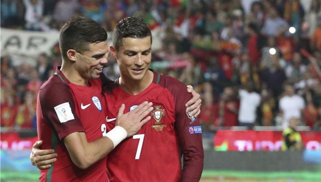 Cristiano-Ronaldo-Pape-201445875