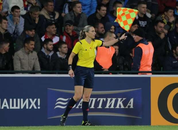 referee (4)