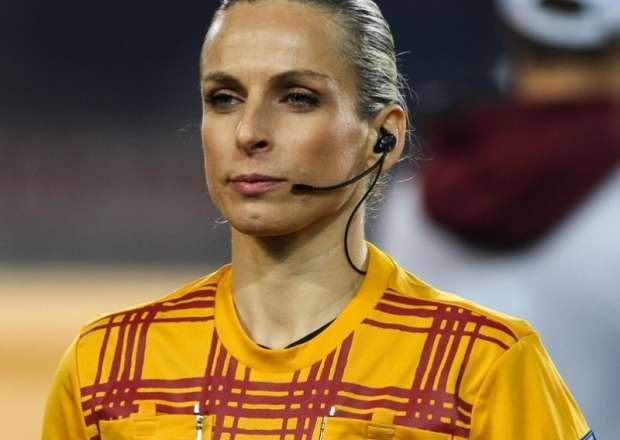 referee (7)