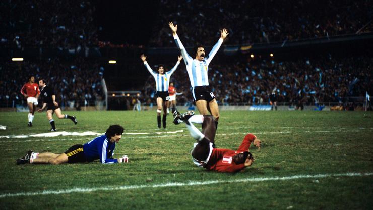 Soccer - World Cup Argentina 78 - Group B - Argentina v Peru