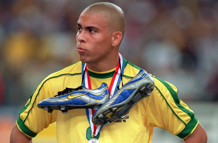 Soccer World Cup 1998: Brazil loses World Cup final - Ronaldo disappointed