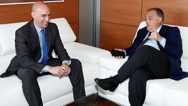 أخبار الدوري الإسباني .. الاتحاد الإسباني يرفض إقامة مباراة برشلونة وجيرونا في أمريكا -  سبورت 360 عربية