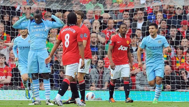 إحتفال بالوتيللي الشهير ضد مانشستر يونايتد