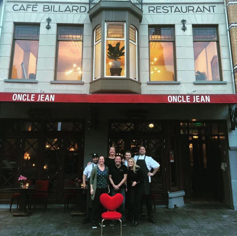المطعم الذي كان يعمل فيه فان دايك