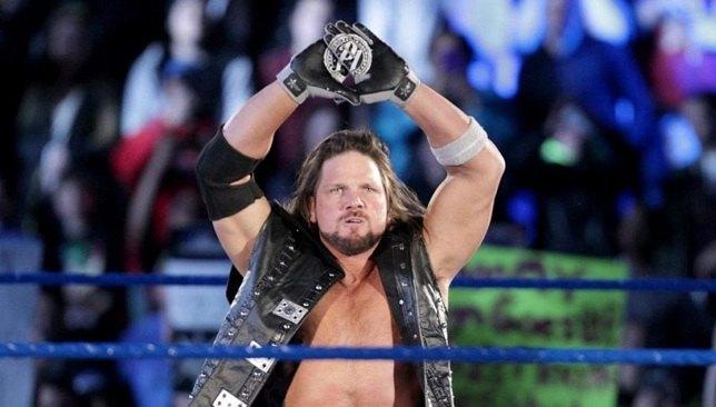 الصورة من WWE News