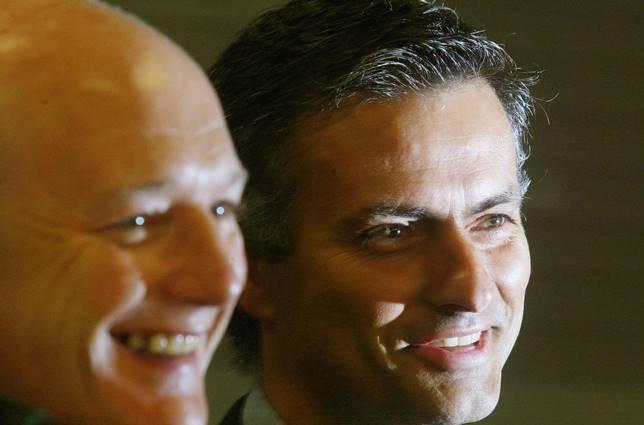 Former Porto manager Jose Mourinho (R) s