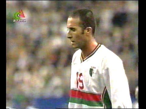 21541-جمال-بلماضي-لاعب-منتخب-الجزائر