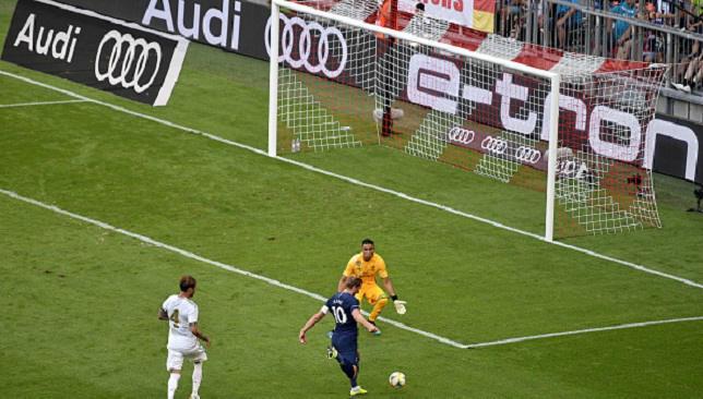 هاري كين يسجل هدف توتنهام الأول ضد ريال مدريد