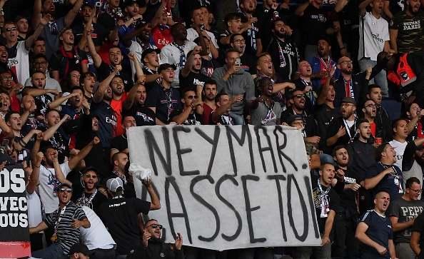 جماهير باريس سان جيرمان إلى نيمار: ارحل