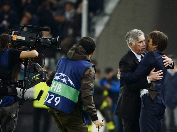 كونتي وأنشيلوتي في مواجهة سابقة بينهما في مباراة يوفنتوس وريال مدريد في عام 2013