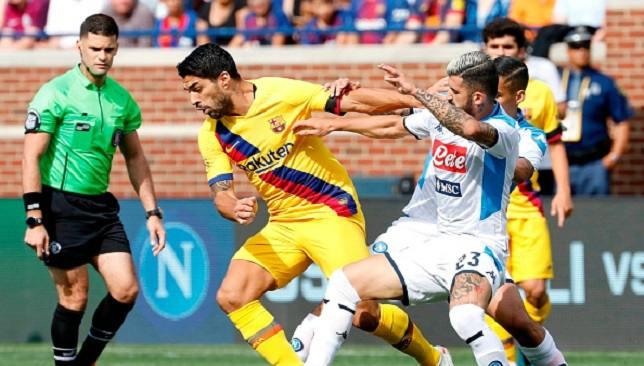 لويس سواريز خلال مباراة نابولي