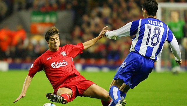 تشابي ألونسو بقميص ليفربول