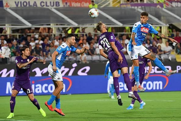 لقطة من مباراة فيورنتينا ونابولي