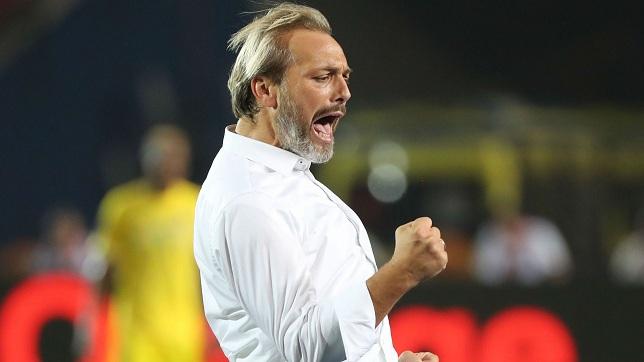 sebastien-desabre-head-coach-of-uganda-celebrates_zm9dkyy3px51mieb1exu50ej