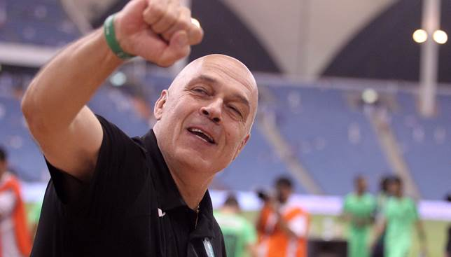 epa05283481 Al-Ahli head coach, Swiss Christian Gross celebrates winning  the Saudi King's Cup soccer match between  Al-Hilal and Al- Ahli at King Fahd International Stadium, Riyadh, Saudi Arabia, 29 April 2016.  EPA/-